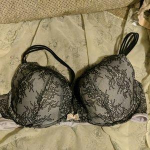 Victoria's Secret Very Sexy Pushup bra size 40C